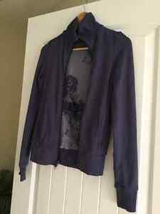 Lulu reversible run jacket size 4 fits (2, 4 and a small 6)