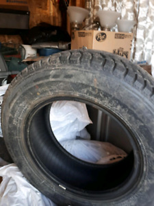 Winter claw tires 215/70/16