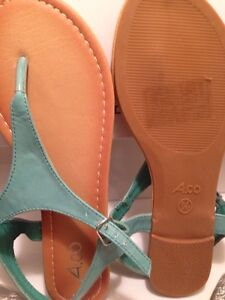 BRAND NEW SIZE 7 TEAL SANDALS Cornwall Ontario image 3