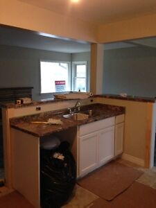 UWO - 2 rooms avail in 5 bedroom house 8 mth lease if you wish