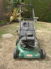 **WEBB**PETROL SELF PROPELLED LAWN MOWER**BRIGGS AND STRATTON ENGINE**FULLY WORKING**GOOD CONDITION*
