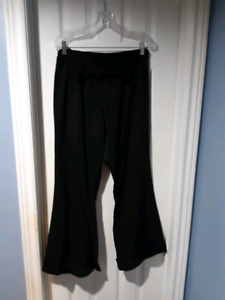 XL Motherhood Maternity black dress pants
