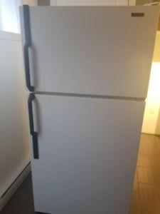 Réfrigérateur Mcclary parfait état