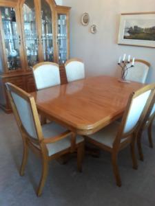 Exquisite solid oak dining set