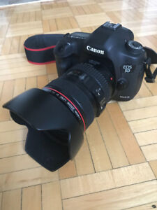 Canon 5D Mark III w/ 24-105mm Lens For Sale