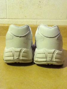 Women's Pink & White Nike Running Shoes Size 9 London Ontario image 7