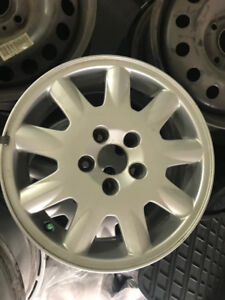4 mags 15 pouces Volvo 5x108
