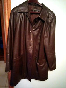 BRAND NEW LADIES LEATHER COAT