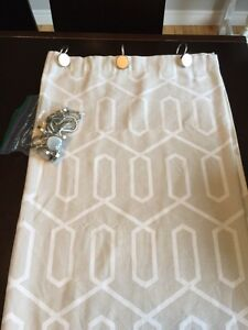 Bouclair Shower Curtain + Metal Hooks + Washable Liner