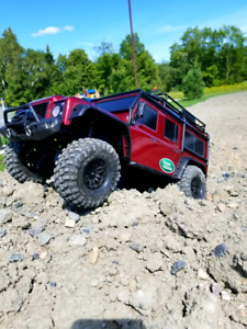 Mint RTR Traxxas TRX4 Crawler / Trail Truck Plus lipo & Charger