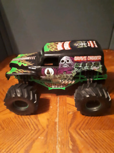 Grave digger new bright rc  car only 9.6v