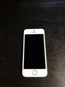 Mint Condition white and silver iPhone 5s- 16GB