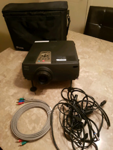 Epson LCD Projector 7250