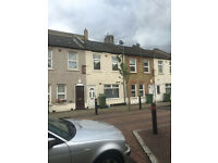 4 BED HOUSE: HELENA RD PLAISTOW E13 0DU ( NO DSS TENANT CALLING)