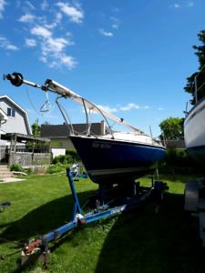 CD 22 trailerable sailboat