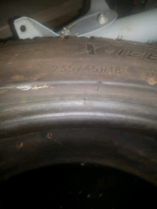 235 45 18 Michelin X-ice xi3's snow tires