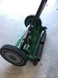 Push lawn mower for sale Cambridge Kitchener Area image 3