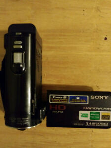 Sony full HD 1080 camcorder HDR-CX110 in like new condition.