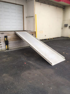 Aluminum Ramp to Offload transports