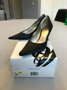 NINE WEST, women's black satin pump, sz 6