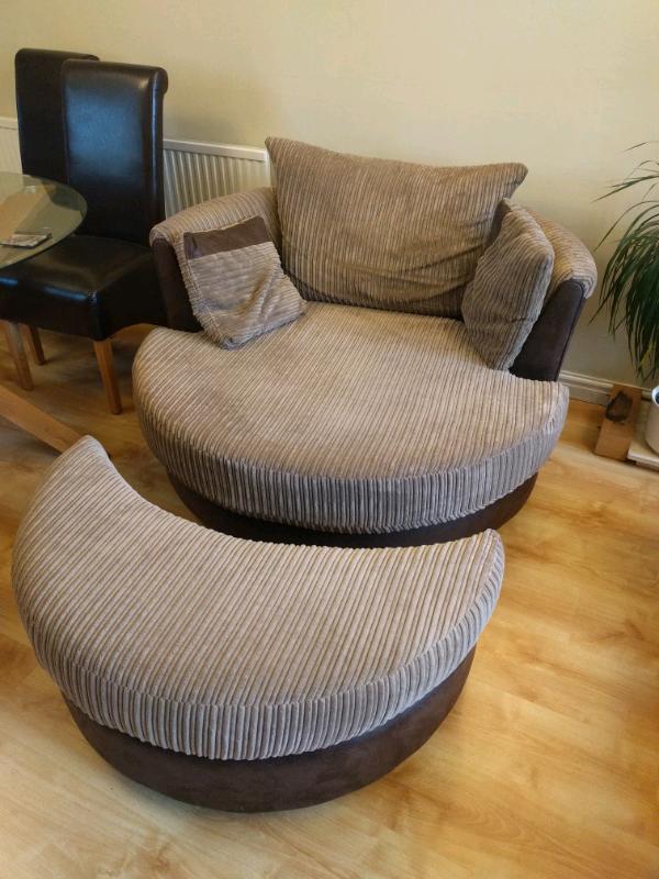Awe Inspiring Cuddle Chair Round Sofa With Foot Rest In Norwich Norfolk Gumtree Machost Co Dining Chair Design Ideas Machostcouk