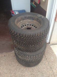 4 Great Goodyear Nordic (P215/60R15) Winter Tires for Sale!!! Kitchener / Waterloo Kitchener Area image 1