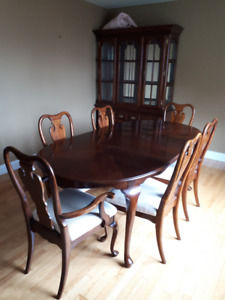 Reduced!!!!! China Cabinet ,Dining Table and Chairs