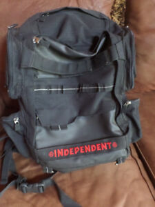 INDEPENDENT skateboard backpack