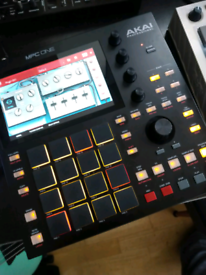 Akai MPC One perfect, updated, with hard case