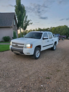 Beautiful 2008 chevy avalanche Z71!