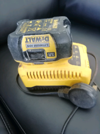 Dewalt Battery & Charger DE9810 DE9135