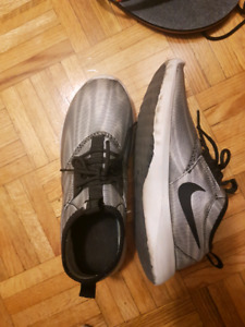 Nike silver running shoes size 7