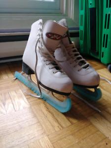 Size 6 women's figure skates