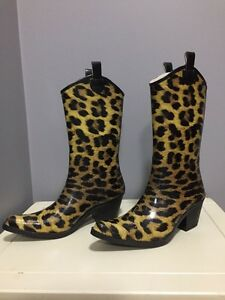 Brand new women's rubber boots