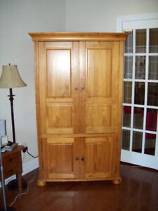 solid maple armoire GREAT PIECE! PRICED TO GO!