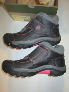 KEEN Kootenay Short Boots, grey and pink, NEW size 5