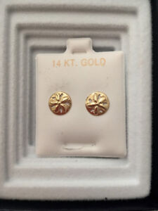 Never been worn 14 Karat gold sand dollar earrings!