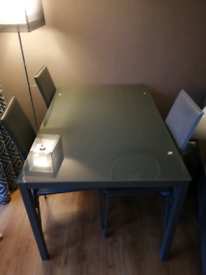 4 seated dining table & chairs £80