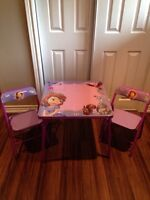 Sofia The First Table and Chairs