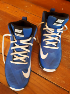 Unisex Youth basketball sneakers