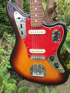 Fender Jaguar - Classic 60's reissue Crafted in Japan