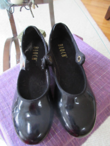 Nice pair of black leather Bloch tap shoes - Size 6.5M