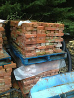 4000 Red Clay Reclaimed Bricks - Cleaned