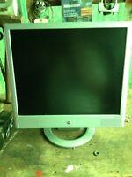 "17"" Silver LCD Monitor"