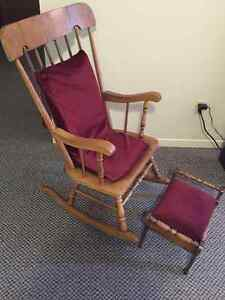 Rocking chair with free mirror and hallway table