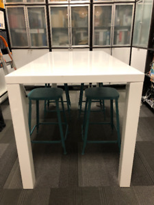High Gloss White Counter Ht Table: P9