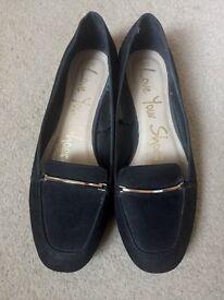 Size 5 black shoes