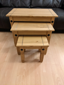 Set of 3 oak effect nest of tables