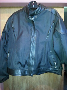 LADIES MOTORCYCLE JACKET, NEW CONDITION SIZE 3X $90