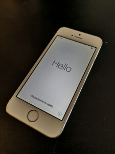White iPhone 5s - 16GB - Locked with Koodo